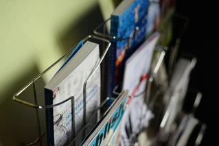 Flyer stehen für das Schreiben von Texten für Printprodukte