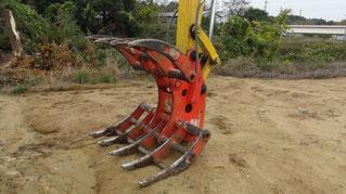 竹林伐採・抜根は、大型重機のレーキアタッチメント