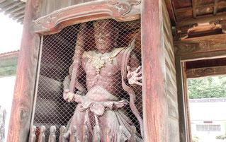 お寺のユンボで石ツカミ