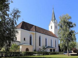 In Wieselburg besuchen wir bei einem Stadtspaziergang auch die Pfarrkirche St.Ulrich.