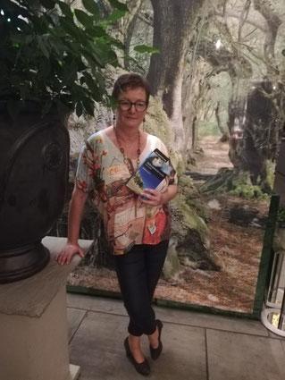 """Autorin Susan Carner bei einer Lesung im """"Purberg"""", Graz"""