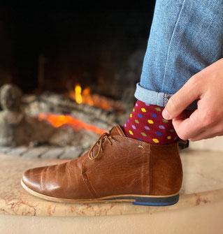 Chaussettes bordeaux à motif de la marque française Eirene socks