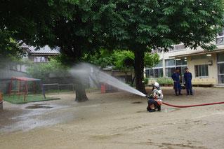 あっという間にホースがシュルシュル~と出てきて、すごい勢いで水が出てきたよ!!