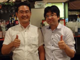 懇親会での原田塾長と平野さん