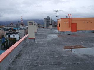 マンションの屋上の大規模修繕前