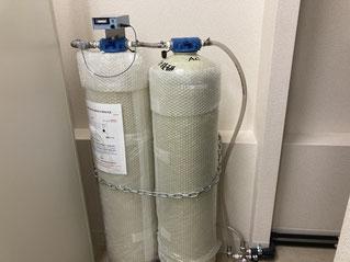 ラボの純水製造装置