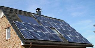 Photovoltaikanlage af dem Südseiten Dach