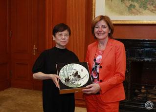 8.10.2019: CPAFFC-Präsidentin LI Xiaolin und Ministerpräsidentin Malu Dreyer