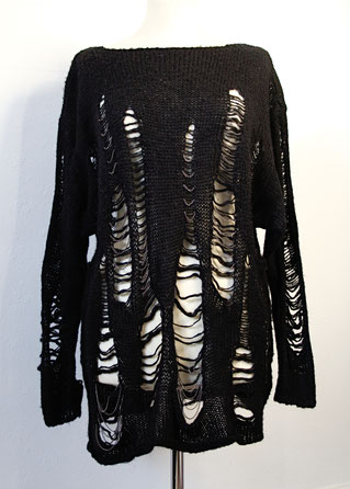 Outfit with altered second-hand pieces - knit jumper with holes - Zebraspider Eco Anti-Fashion Blog
