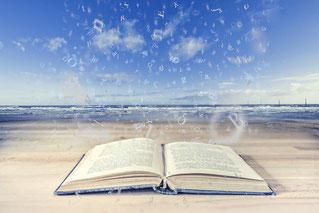 Studiere an Deiner eigenen Universität, Dein Lebensweg, Dein Buch!(Fotolia)
