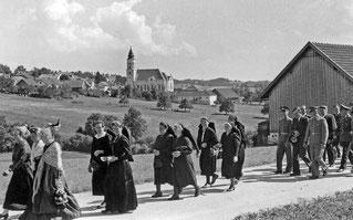 1955 (ca) Umzug
