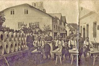 1922 Spandreher vor dem Ungerwirt