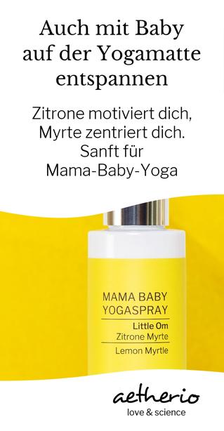 Auch mit #Baby auf die #Yogamatte zum #Enstpannen und Kraft tanken. Mit unserem Mama Baby #Yogaspray Little Om gewinnst du Motivation und Ruhe, dank babysanfter ätherischer Öle. Mit love & science gemacht. aetherio.de #babyyoga #yogamom #aetherio #baby