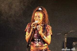 simbouvili_femme_africaine