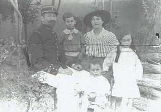 Georges et Marie avec Henri, Gabrielle et Georges
