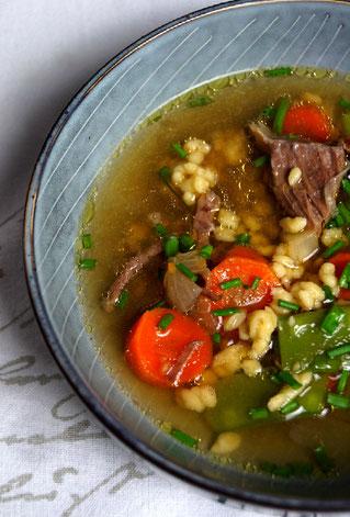 Riebelessupp, die schwäbische Suppe meiner Kindheit