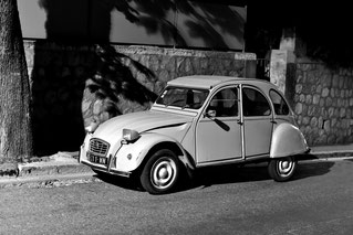 Andreas Maria Schäfer,Fotograf,Fotografie,fotograph1956,Fotografiewelten,Marburg,Streetfotografie,Provence, 2CV, Schwarzweiss