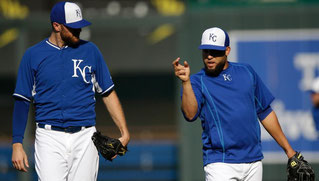 Nella foto Wade Davis (sx) e Kelvin Herrera (dx) sportsonearth (AP)