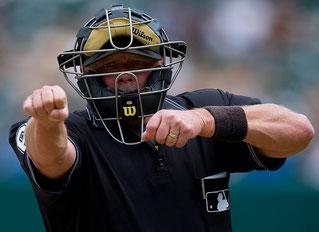 Nella foto Jim Joyce definito dai giocatori della MLB il miglior arbitro. Diventato famoso anche perché ha ammesso davanti alle telecamere l'errore che è costato a Armando Gallaraga il perfect game