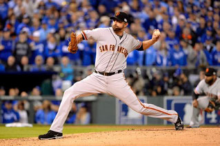 Nella foto Jeremy Affeldt (Ron Vesely/Getty Images)