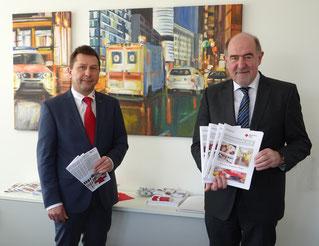 Kreisvorsitzender Landrat Willibald Gailler (r.) und BRK-Kreisgeschäftsführer Klaus Zimmermann (l.) Foto: Maier, BRK Neumarkt