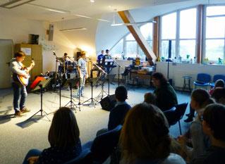 Letzte Probe der Schüler-Band vor dem Auftritt