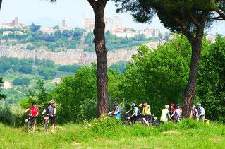 Italien, Toskana, Urlaub, Radreisen, Velotraum, Radfahren, aufwärts, Anstieg