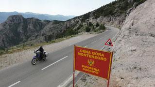 An der Grenze zu Montenegro