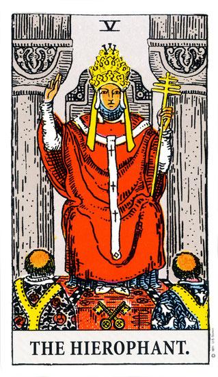 El hierofante (el papa) número 5 en la baraja de tarot interpretación