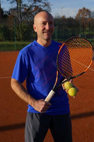 Diplom-Tennislehrer & Leiter der Tennisschule Oliver Rauch
