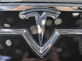 Der deutsche Branchenriese Daimler hat den kalifornischen Elektroautobauer Tesla von der Startup-Phase an als Investor begleitet. Foto: Uli Deck