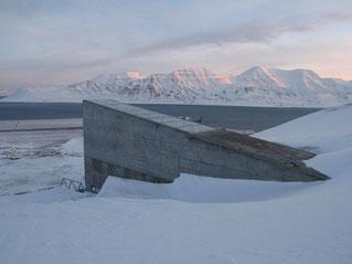 核戦争や気候変動などから種子を守らないといけない。北極圏には種を守る基地も存在する。