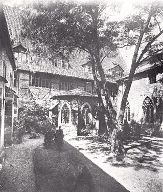 Kreuzgang mit der Laurentius-Kapelle
