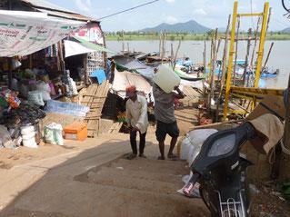 Kampong Chnang, port, tour with www.sihanoukvilleguideservice.com