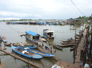 Kampong Chnnang, floating village, tour with www.sihanoukvilleguideservice.com