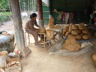Kampong Chnang,visit a pottery, day tour