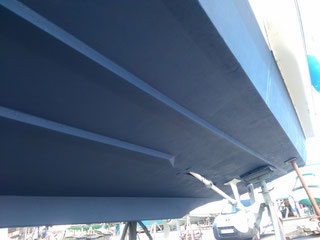 carénage de bateaux, antifouling, coque polyester, Agde