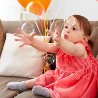 Spielideen für Babys und Geschwisterkinder