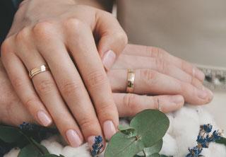 Eheringe, Trauung, Heiraten, Ehepaar, Scheidung, Monogamie, Trennung