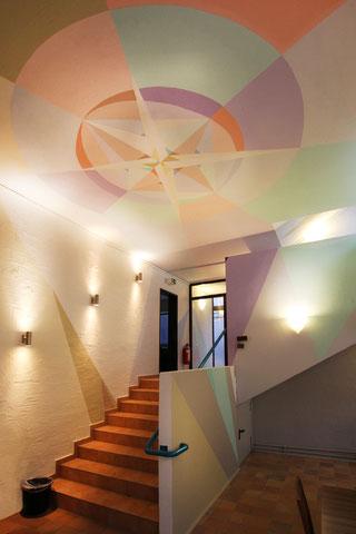 Deckenmalerei Interior. Eingang zum Innenbereich - Farbgestaltung von Umgebungsfarbe