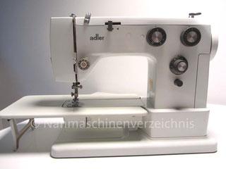 Adler 531, Automatik-Freiarmaushaltsnähmaschine mit Einbaumotor, Hersteller: Kochs Adlernähmaschinen Werke AG, Bielefeld, Deutschland, Baujahr: 1975 (Bilder: G. Riege)