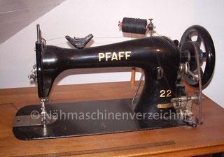 Pfaff 22, Gewerbenähmaschine mit langem Arm, Fußantrieb, Hersteller: G. M. Pfaff AG, Kaiserslautern (Bilder: G. Berges)