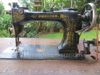 Phoenix FF, Flachbett-Gewerbenähmaschine, Schnellnäher mit Rundgreifer, Baujahr ca. 1901, Hersteller: Phoenix Nähmaschinen AG Baer und Rempel, Bielefeld  (Bilder: Christine Moesner)