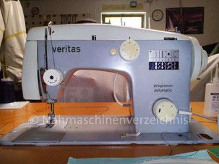 Veritas 8014/35, programm-automatic, Flachbett mit Anbaumotor o. Fußantrieb Hersteller: VEB Nähmaschinen Werk Wittenberge (Bilder: T. Grey)