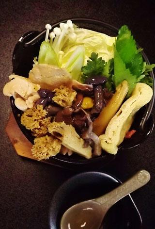 松茸料理国産松茸天然きのこ料理地物松茸木曽の極上松茸本当に美味しい松茸を食べよう!きのこランチ秋を満喫しょう恵那中津川天然きのこ雑きのこうむそうだけぼうずぼこうたけかわたけろうじしろまいたけさるまいほんしめじそなしばもちねずみあし紫しめじきしめじコウムソウダケボウズボコウタケカワタケロウジシロマイタケサルマイホンシメジソナシバモチネズミアシきのこ料理店きのこ料理専門店