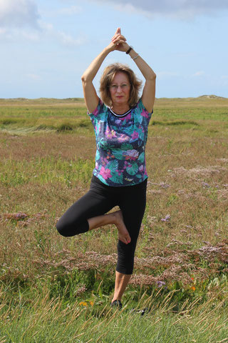 Yogalehrerin Dagmar Henke