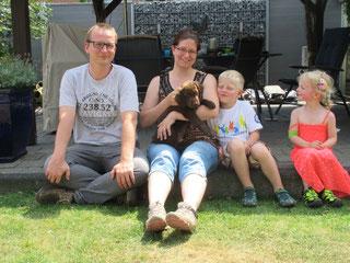 Barnie mit seiner neuen Familie. Mach´s gut!