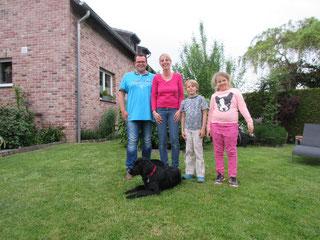 Baddy mit seiner Familie