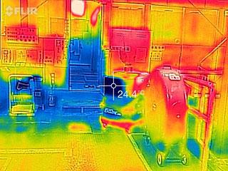 ポートアクール冷風機サイクロン3000のサーモ画像