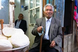 Der alte Mann und sein Käse